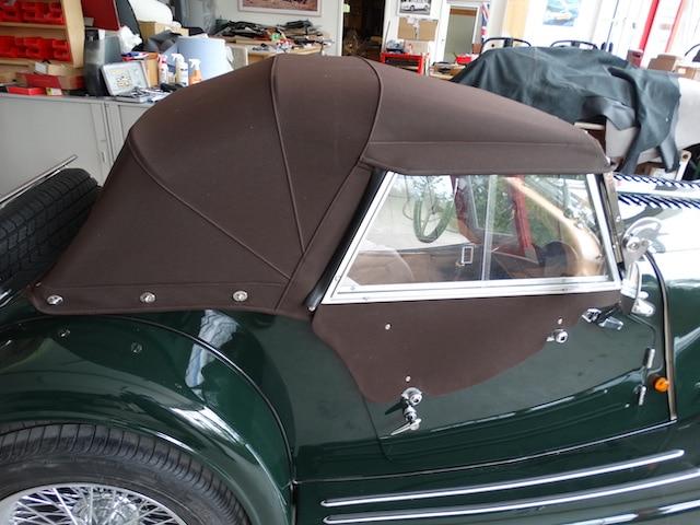 Morgan Plus 8 Grün Aufbereitung Oldtimer Fine Car Interiors Matthias Stellrecht Oldtimer Porsche Morgan Innenausstattung Sitze Beige Verdeck Braun