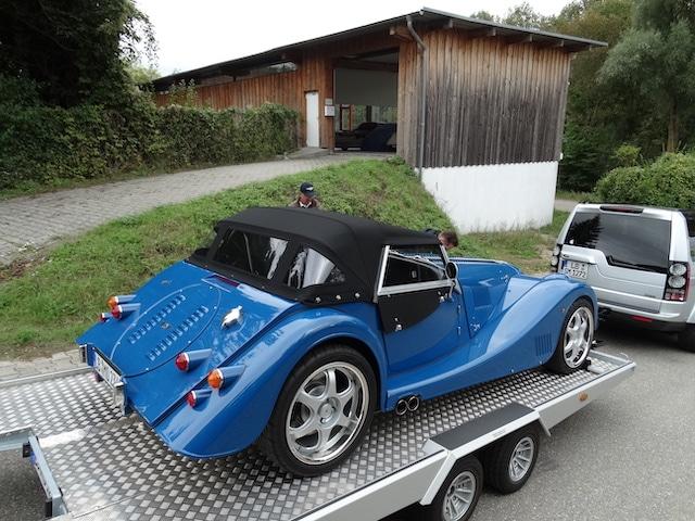 Morgan Plus 8 Blau - Originalausstattung - Fine Car Interiors - Matthias Stellrecht Oldtimer Aufbereitung Verdeck Verdeckarbeiten schwarzes Verdeck