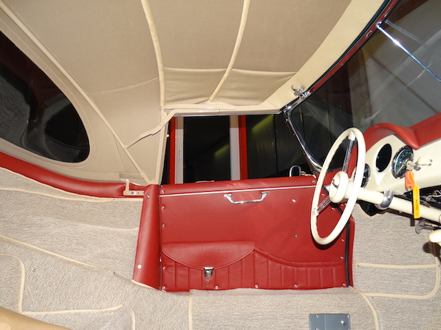 Porsche 365 Convertible D - Innenverkleidung - Fine Car Interiors - Matthias Stellrecht Oldtimer Aufbereitung Innenausstattung Türverkleidung Rot