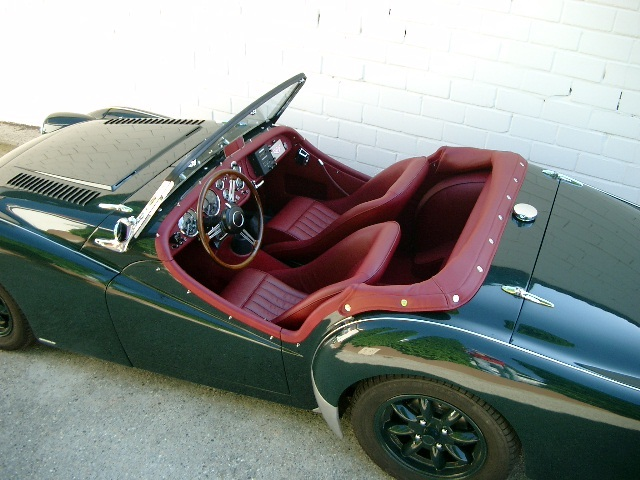 Triumph TR3 Grün Verdeck Grün - Fine Car Interiors - Matthias Stellrecht Oldtimer Aufbereitung Verdeckarbeiten