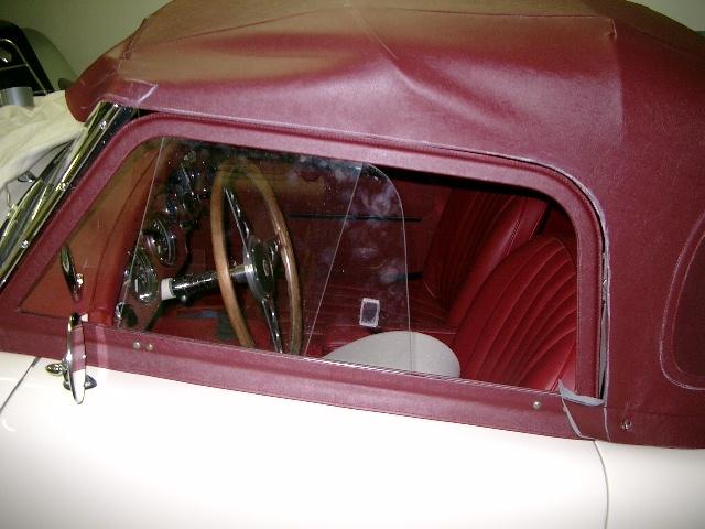 MG A Weiß rotes Verdeck - Fine Car Interiors - Matthias Stellrecht Oldtimer Aufbereitung Verdeckarbeiten