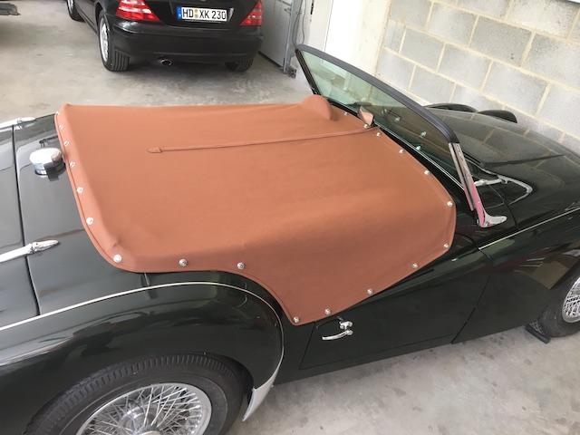 Triumph TR3 A grün - Fine Car Interiors - Matthias Stellrecht Oldtimer Aufbereitung Verdeckarbeiten Abdeckung